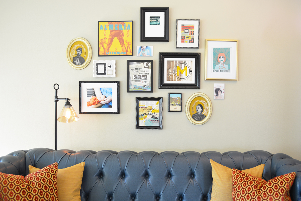 An eclectic and colorful living room design by Waco TX interior stylist @lesleymyrick