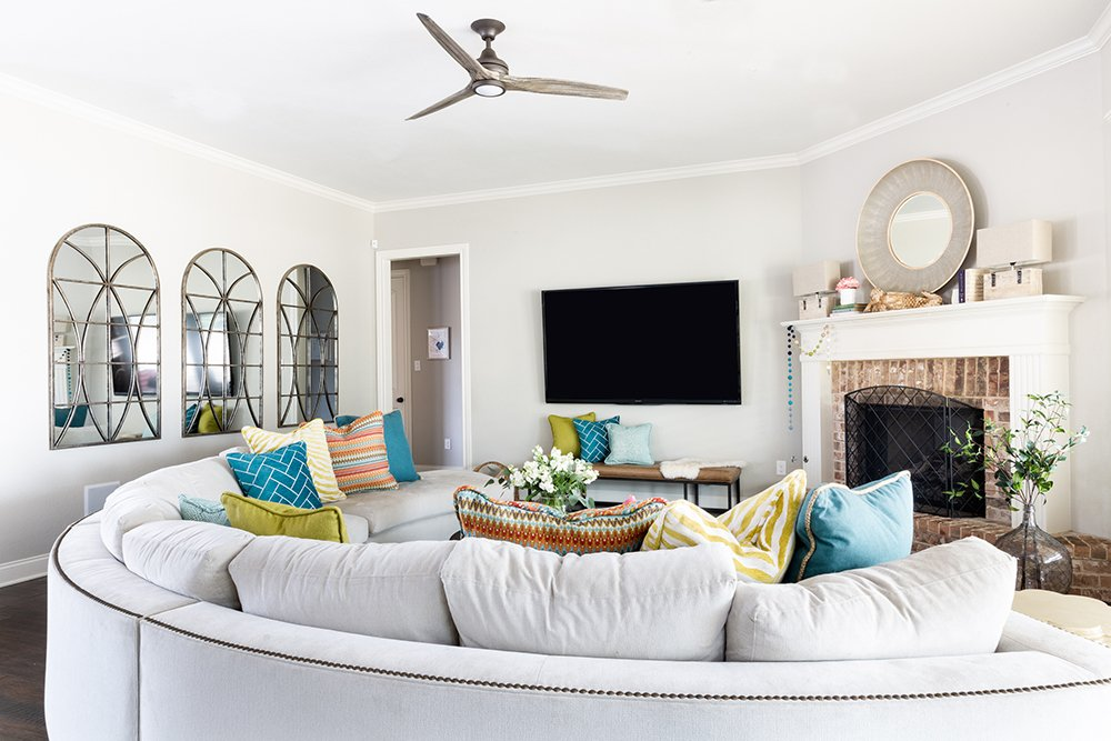 How to mix patterns in a living room