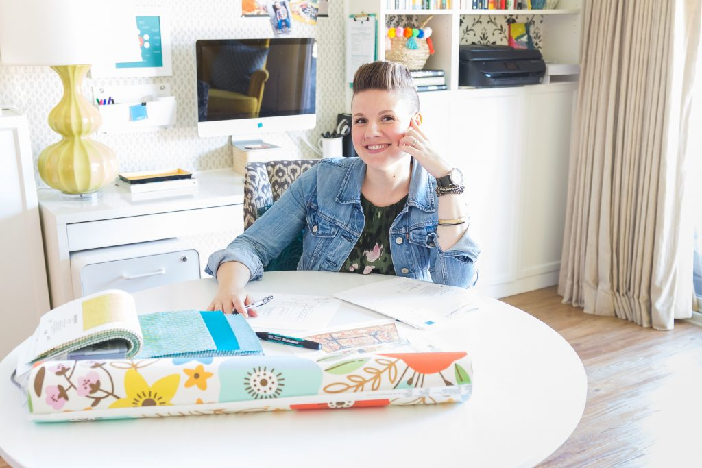 Atlanta interior designer Lesley Myrick shares the (totally free!) Complete Beginner's Guide to Working with an Interior Designer. Take a look at what really goes into a design project.