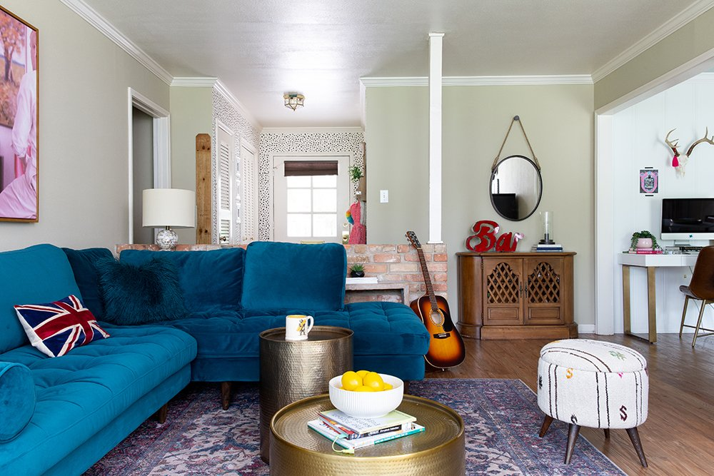 Before and After: A Family-Friendly Texas Living Room with a Teal Sofa by Atlanta interior designer Lesley Myrick
