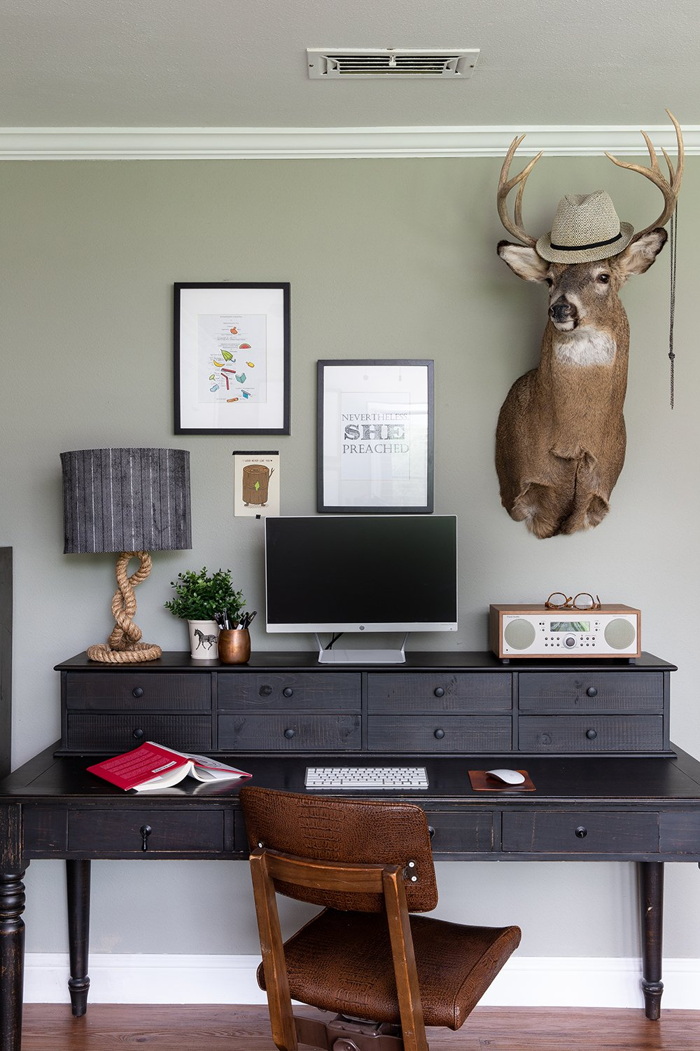 Whoa! Check out the before and after of this home office space.