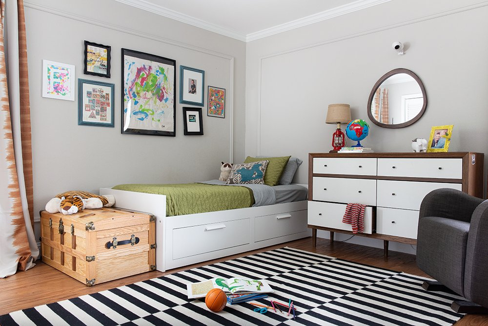 Love this bedroom design shared by a boy and a girl