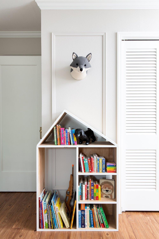 Cute reading nook in a colorful shared kids bedroom by interior designer Lesley Myrick