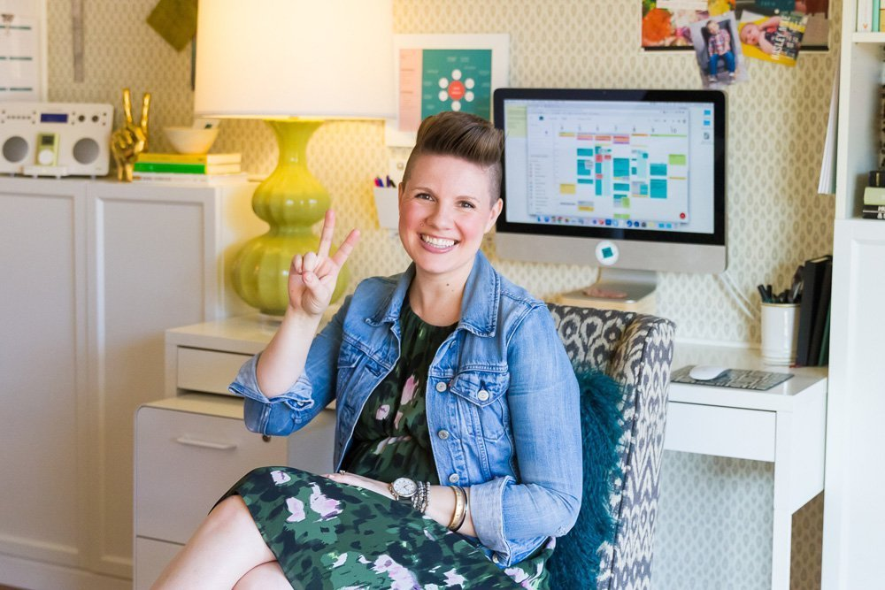 Atlanta interior designer Lesley Myrick shares how to create a week's worth of social media content in just 10 minutes