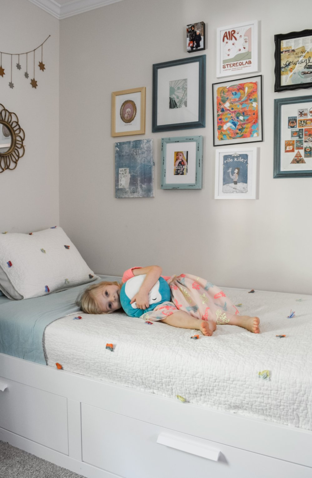 How to design a bedroom for a 3-year-old girl